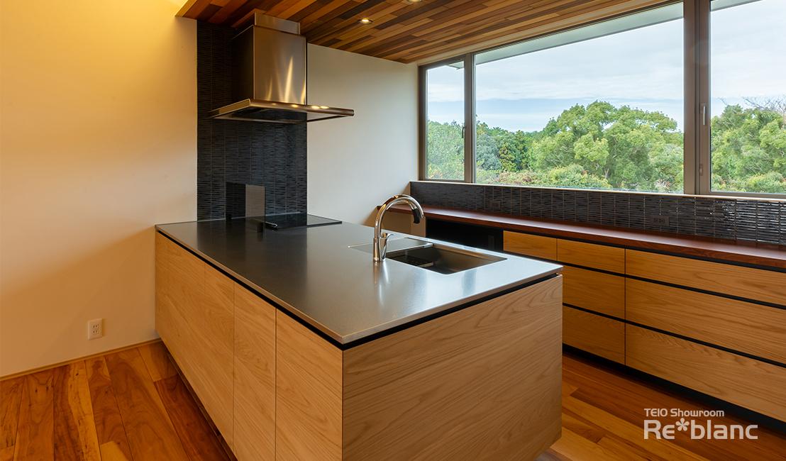 https://www.reblanc.com/case/design-ordermade-kitchen/002101.html