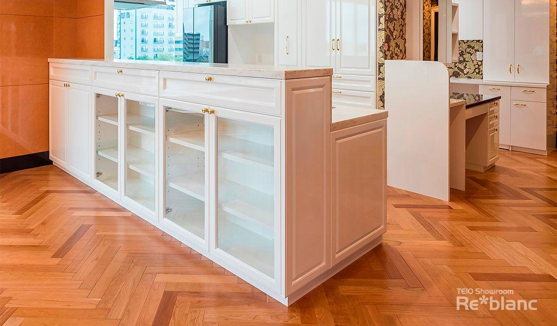http://www.reblanc.com/case/cupboard/001188.html