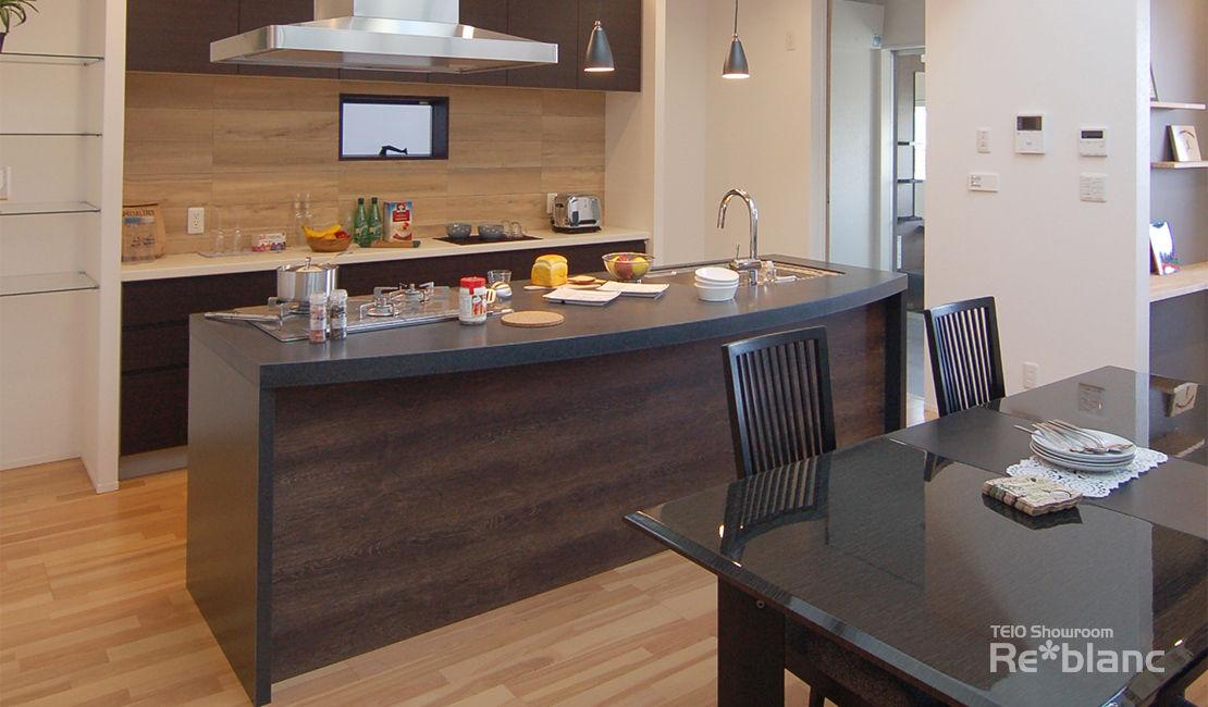 https://www.reblanc.com/case/design-ordermade-kitchen/001132.html