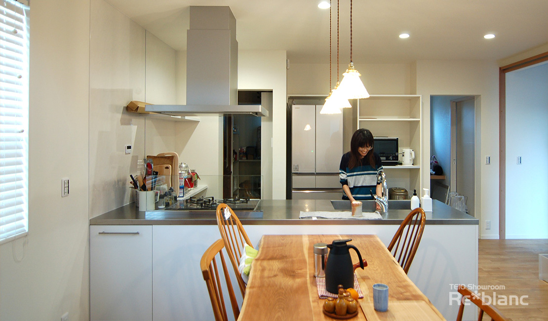 http://www.reblanc.com/case/design-ordermade-kitchen/001919.html