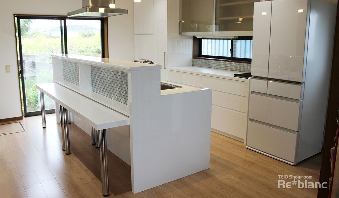 http://www.reblanc.com/case/storage-ordermade-kitchen/001230.html
