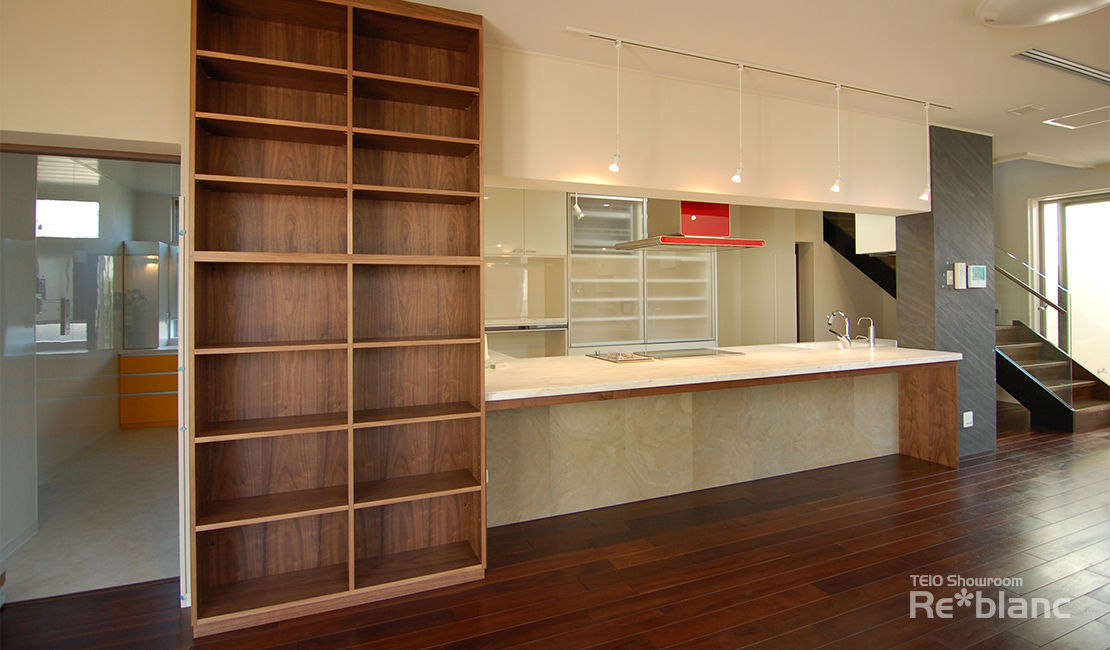 http://www.reblanc.com/case/storage-ordermade-kitchen/001241.html