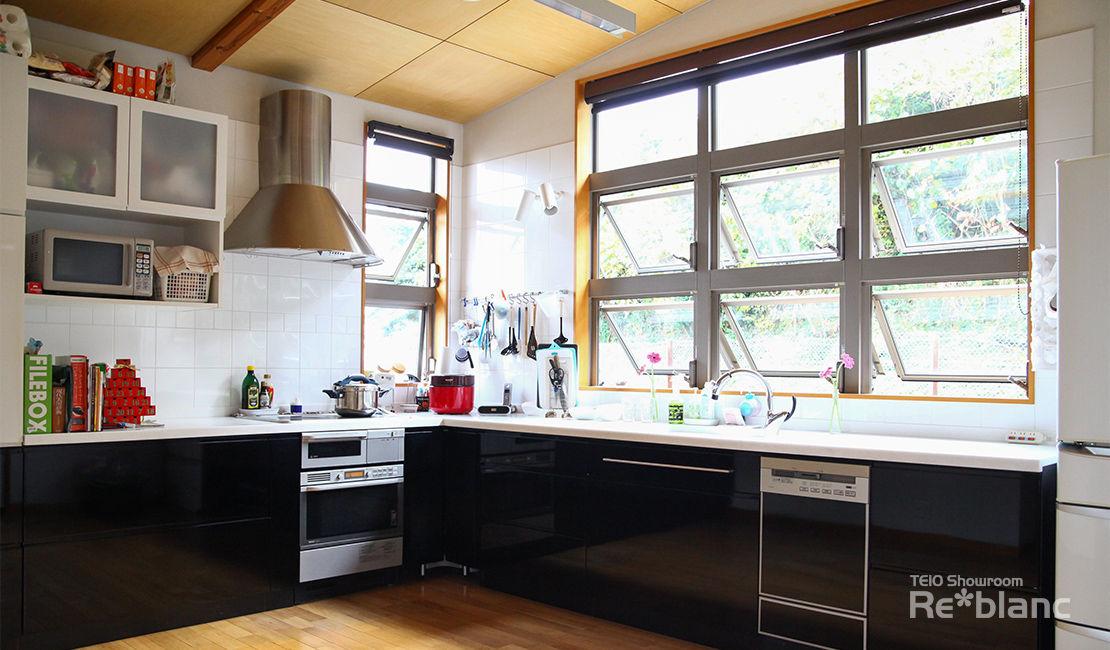 https://www.reblanc.com/case/storage-ordermade-kitchen/001253.html