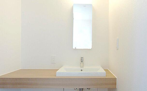 http://www.reblanc.com/case/washroom/001182.html