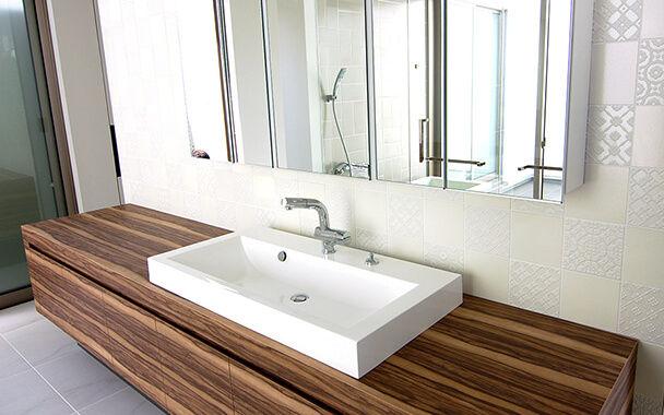http://www.reblanc.com/case/washroom/001189.html