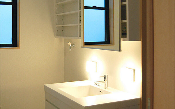 http://www.reblanc.com/case/washroom/001201.html