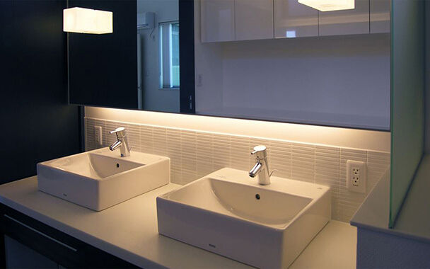 http://www.reblanc.com/case/washroom/001208.html