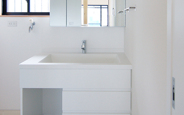 http://www.reblanc.com/case/washroom/001912.html