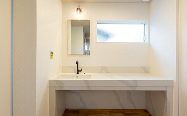 https://www.reblanc.com/case/washroom/002077.html