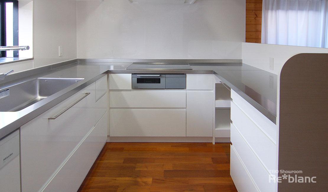 http://www.reblanc.com/case/storage-ordermade-kitchen/001889.html